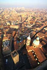 Visiting Lombardia and surroundings: visit the city of Bologna in Emilia Romagna