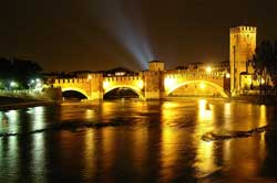 Visiting Lombardia and surroundings: visit the city of Verona in Veneto